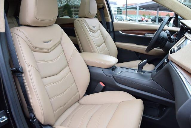 1c Cad XT5 pass front seats.jpg