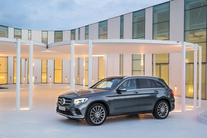 mercedes-benz_glc_350e_4matic_15.jpeg